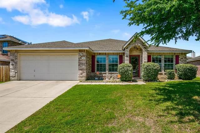 716 Redwing Drive, Saginaw, TX 76131 (MLS #14343125) :: The Star Team | JP & Associates Realtors