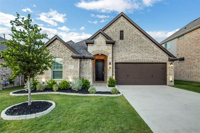 14644 Spitfire Trail, Fort Worth, TX 76262 (MLS #14343626) :: The Kimberly Davis Group