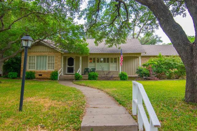 2001 Belmeade Street, Brownwood, TX 76801 (MLS #14343633) :: The Paula Jones Team | RE/MAX of Abilene