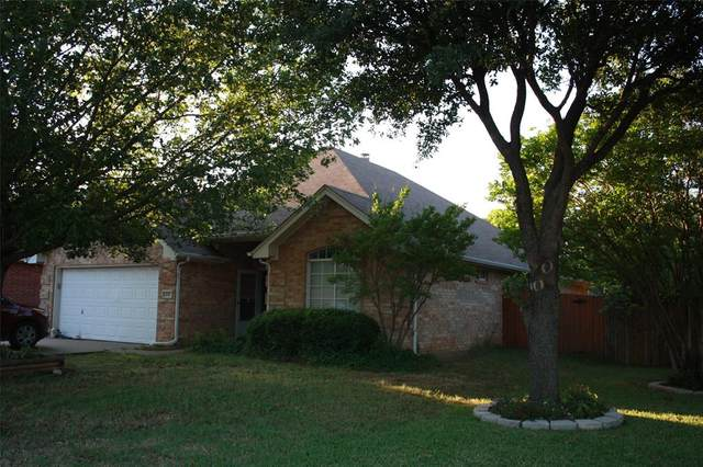 212 Willow Street, Crowley, TX 76036 (MLS #14343803) :: The Mitchell Group