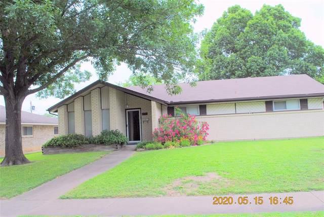 925 Sycamore Lane, Lancaster, TX 75146 (MLS #14343806) :: Baldree Home Team
