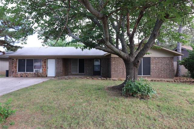1005 E Fitzgerald Street, Bangs, TX 76823 (MLS #14344606) :: Century 21 Judge Fite Company