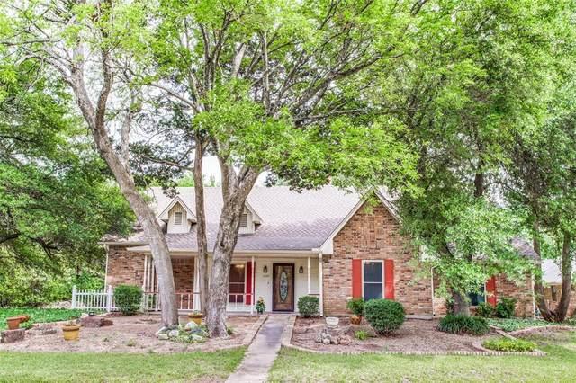 1499 Kari Ann Drive, Cedar Hill, TX 75104 (MLS #14344619) :: The Kimberly Davis Group