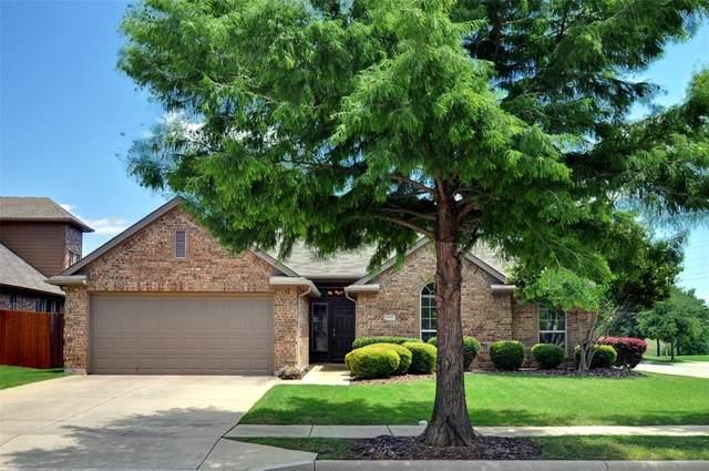8100 Mountain Cedar Drive, Fort Worth, TX 76131 (MLS #14345010) :: The Heyl Group at Keller Williams