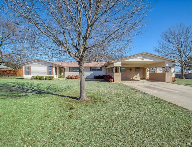 615 E 1st, Muenster, TX 76252 (MLS #14345095) :: The Chad Smith Team