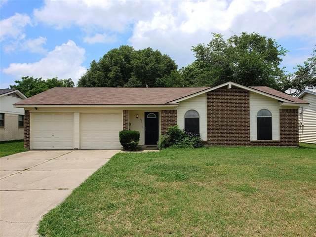 634 Lisa Street, Burleson, TX 76028 (MLS #14345197) :: The Mitchell Group