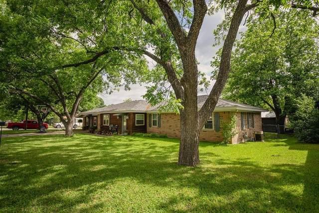 215 N Avenue R, Clifton, TX 76634 (MLS #14345399) :: Team Tiller