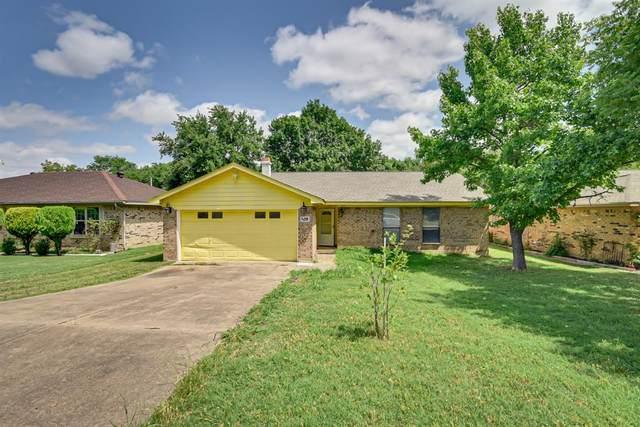118 Renfro Street, Grand Prairie, TX 75051 (MLS #14345587) :: Real Estate By Design