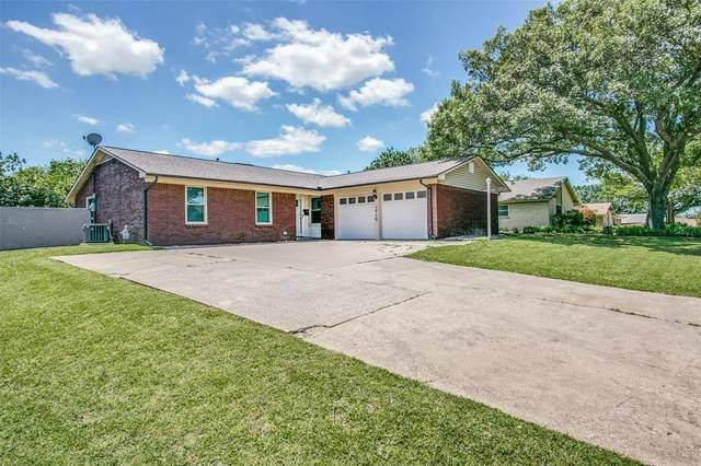 2928 Portales Drive, Fort Worth, TX 76116 (MLS #14345669) :: Tenesha Lusk Realty Group