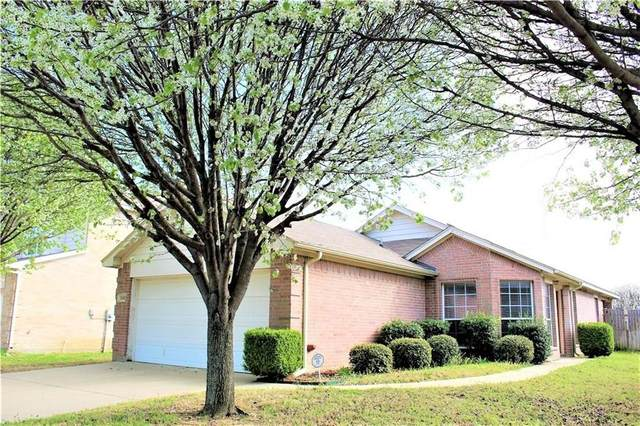 1141 Boxwood Drive, Crowley, TX 76036 (MLS #14346147) :: Potts Realty Group