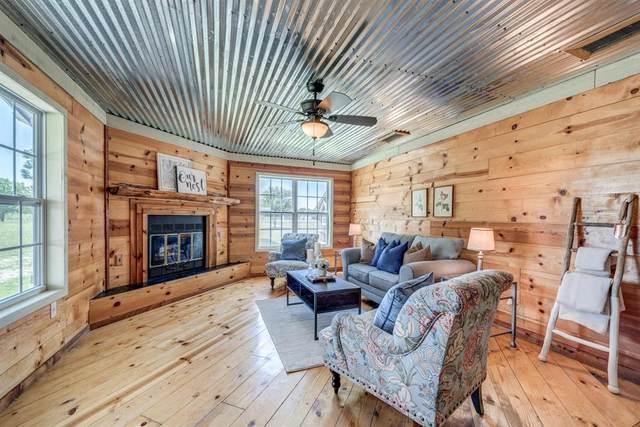 435 Country Lane, Haslet, TX 76052 (MLS #14346227) :: Justin Bassett Realty