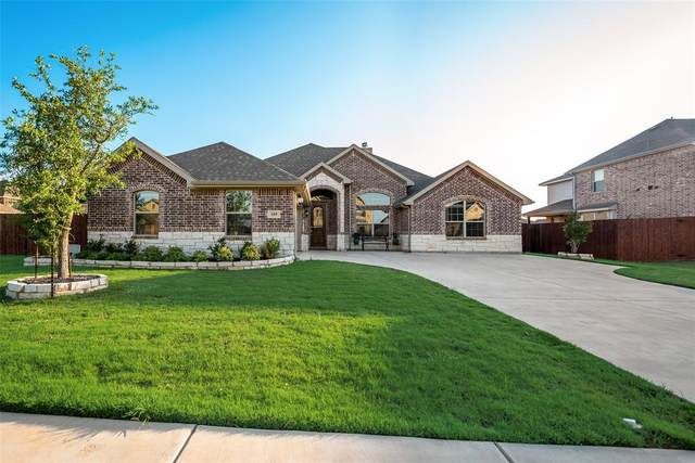 109 Lone Oak Drive, Crowley, TX 76036 (MLS #14346318) :: NewHomePrograms.com LLC