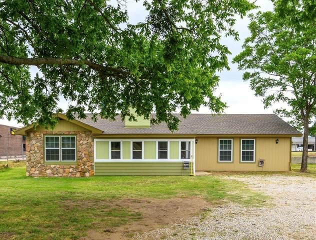 299 Carlisle Drive, Lake Dallas, TX 75065 (MLS #14346414) :: Real Estate By Design