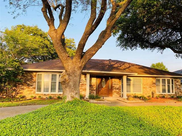 2808 N Britain Road, Irving, TX 75062 (MLS #14347197) :: Ann Carr Real Estate