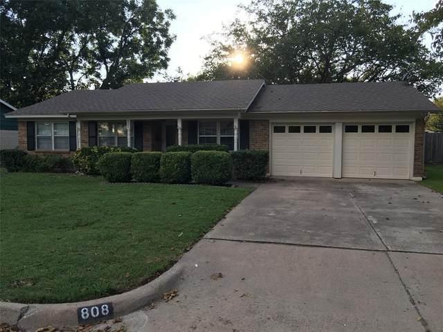 808 Thompson Drive, Saginaw, TX 76179 (MLS #14347356) :: The Paula Jones Team | RE/MAX of Abilene