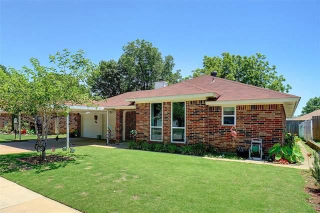 1129 W Hills Terrace, Saginaw, TX 76179 (MLS #14347728) :: The Paula Jones Team | RE/MAX of Abilene