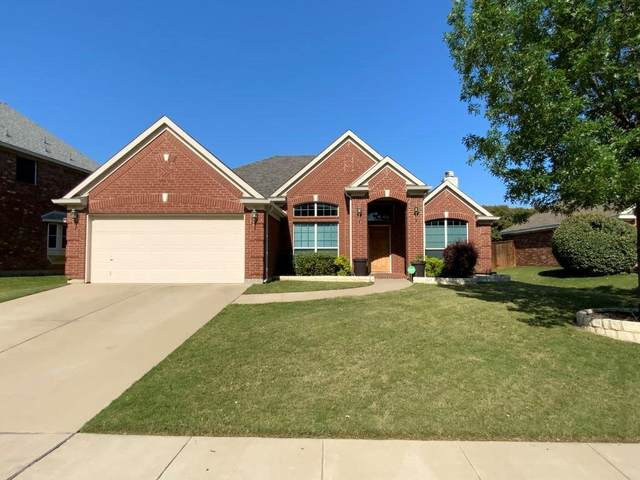 821 Mesquite Drive, Burleson, TX 76028 (MLS #14348045) :: The Mitchell Group