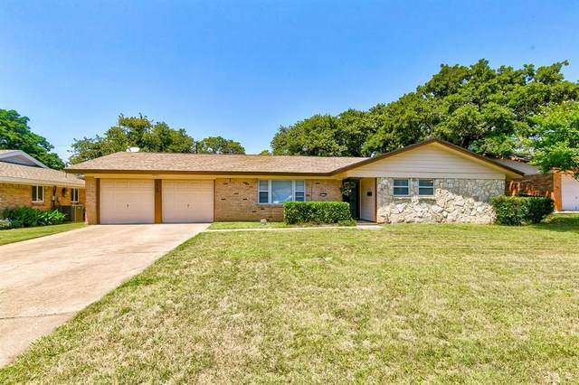1706 Windlea Drive, Euless, TX 76040 (MLS #14348089) :: The Chad Smith Team