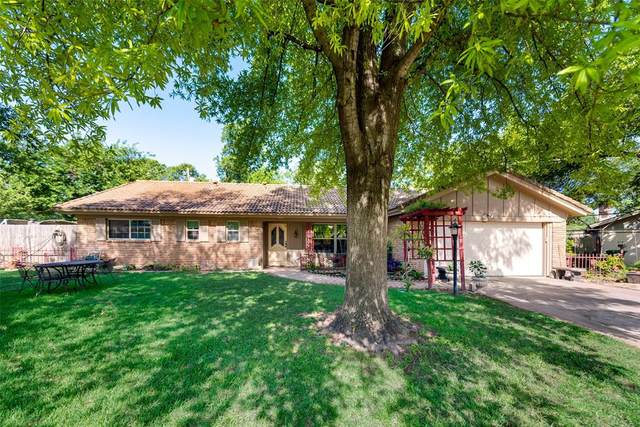 2125 Shady Brook Drive, Bedford, TX 76021 (MLS #14348175) :: The Chad Smith Team