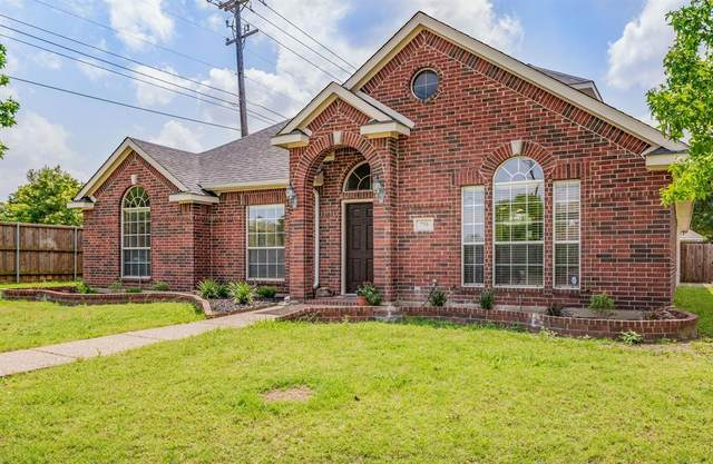 756 Summerfield Drive, Allen, TX 75002 (MLS #14348192) :: Frankie Arthur Real Estate