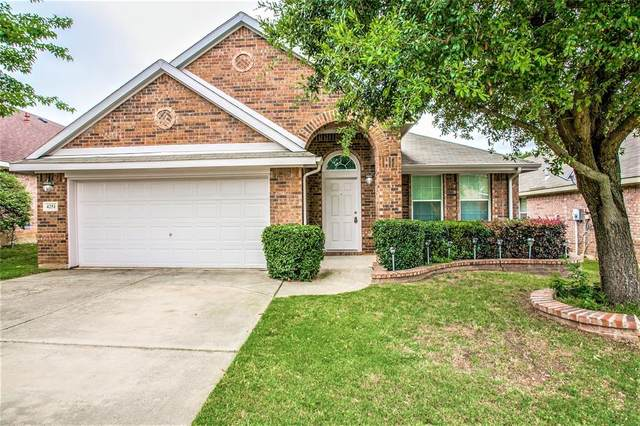 4251 Fall Creek Drive, Grand Prairie, TX 75052 (MLS #14348319) :: The Hornburg Real Estate Group