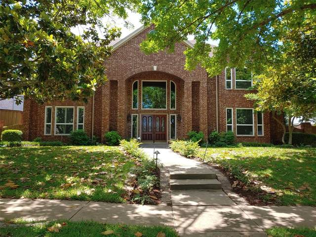 1728 Simsbury Drive, Plano, TX 75025 (MLS #14348513) :: The Heyl Group at Keller Williams