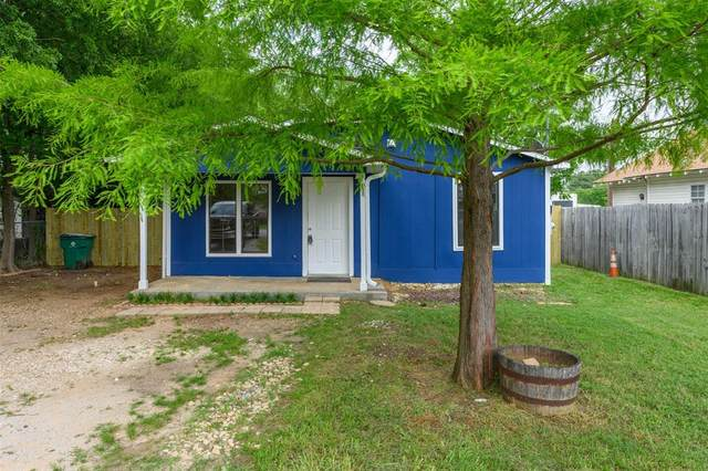 803 Chestnut Street, Aubrey, TX 76227 (MLS #14348623) :: Real Estate By Design