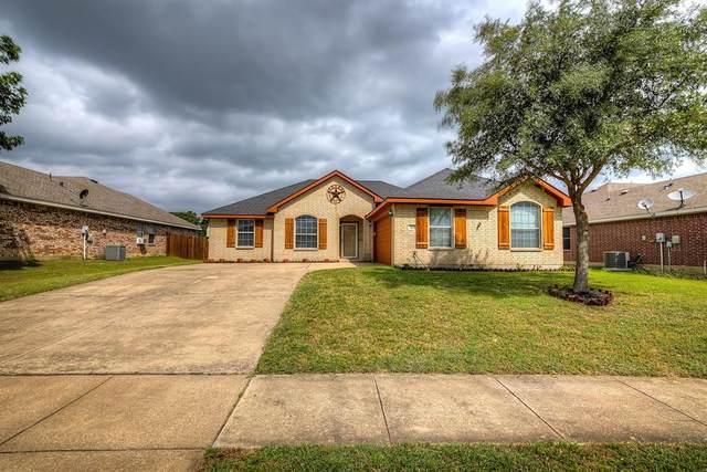 223 Shadow Bend Drive, Red Oak, TX 75154 (MLS #14348646) :: The Paula Jones Team | RE/MAX of Abilene