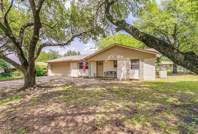 1225 Tanglewood Drive, Cleburne, TX 76033 (MLS #14348972) :: Ann Carr Real Estate