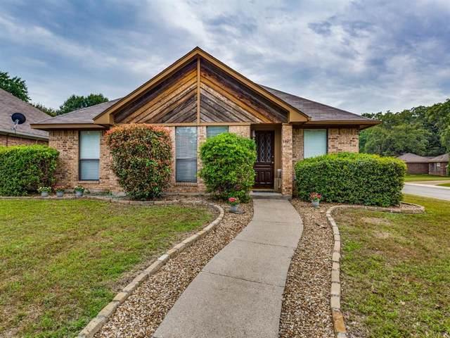 1425 Misty Hollow Street, Denton, TX 76209 (MLS #14349137) :: The Mauelshagen Group