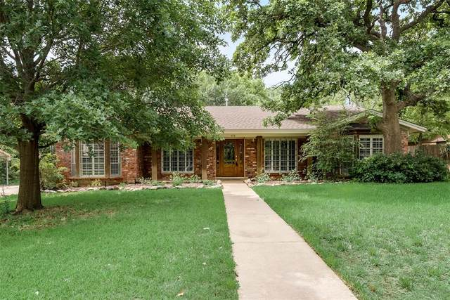 616 Donna Lane, Bedford, TX 76022 (MLS #14349275) :: All Cities USA Realty