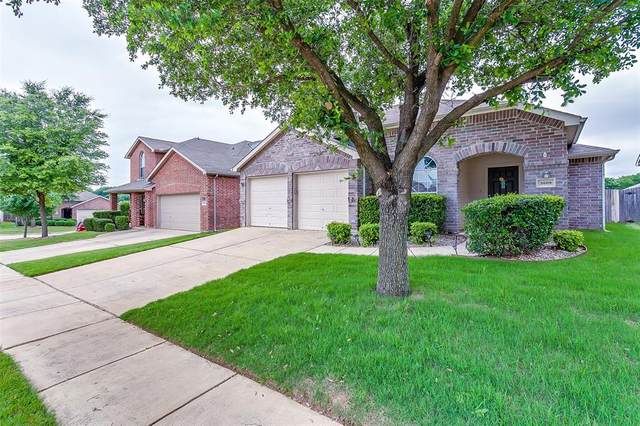 3609 Black Ranch Court, Fort Worth, TX 76262 (MLS #14349345) :: The Heyl Group at Keller Williams