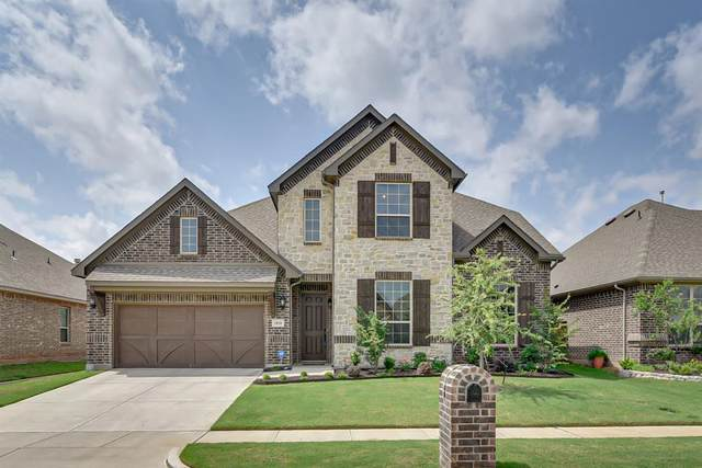 2810 Diamond Ridge Drive, Arlington, TX 76001 (MLS #14349481) :: All Cities USA Realty
