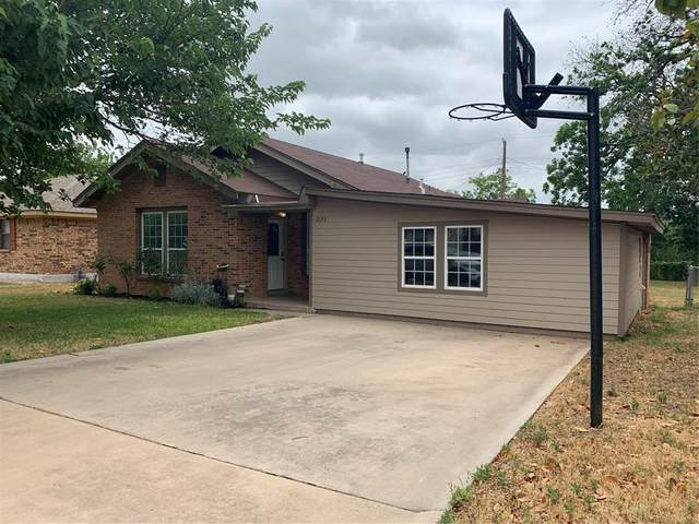 2133 Grand Avenue, Abilene, TX 79605 (MLS #14349592) :: The Mitchell Group