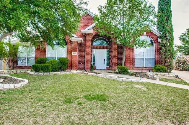 8009 Condor Court, Arlington, TX 76001 (MLS #14349796) :: NewHomePrograms.com LLC