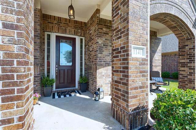 1141 Breakwater Drive, Frisco, TX 75036 (MLS #14350418) :: Frankie Arthur Real Estate