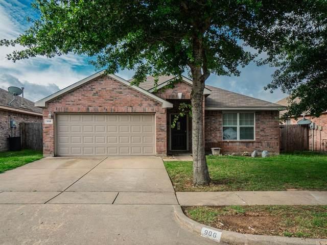 906 Hems Lane, Arlington, TX 76001 (MLS #14350467) :: Team Hodnett