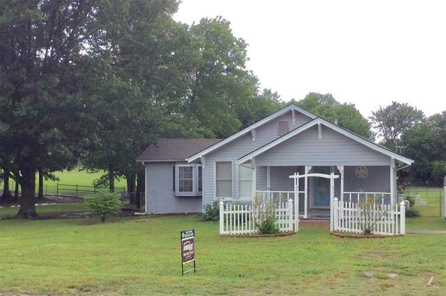 403 Wall, Windom, TX 75492 (MLS #14350501) :: Frankie Arthur Real Estate