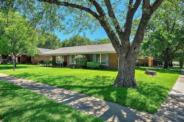 1203 Blanton Place, Sherman, TX 75092 (MLS #14350564) :: Ann Carr Real Estate