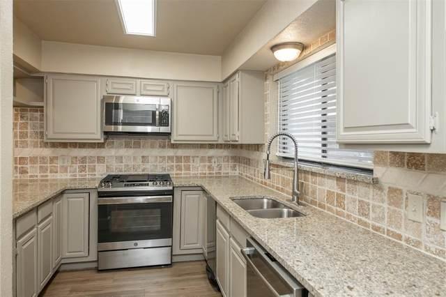 2753 Fairway Park Street, Grand Prairie, TX 75050 (MLS #14350623) :: Real Estate By Design
