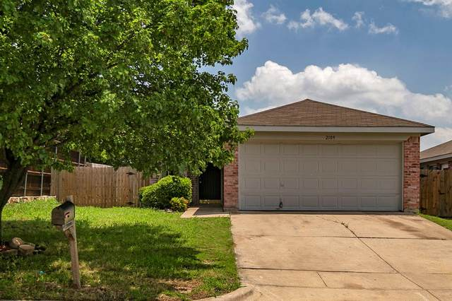 2109 Whispering Wind Street, Fort Worth, TX 76108 (MLS #14350644) :: Tenesha Lusk Realty Group