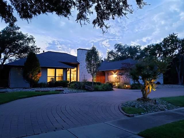 13919 Prestwick Drive, Farmers Branch, TX 75234 (MLS #14350708) :: HergGroup Dallas-Fort Worth