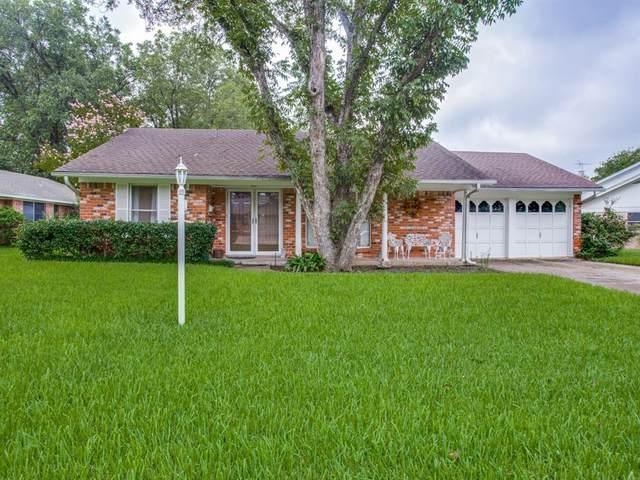 9001 Sirocka Drive, Benbrook, TX 76116 (MLS #14350765) :: Hargrove Realty Group