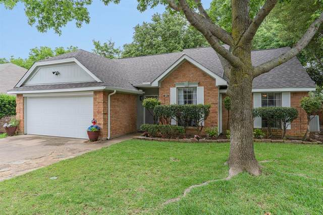311 Canterbury Street, Euless, TX 76039 (MLS #14351003) :: The Kimberly Davis Group