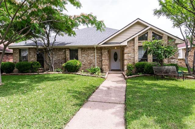 2023 Lavaca Trail, Carrollton, TX 75010 (MLS #14351036) :: HergGroup Dallas-Fort Worth