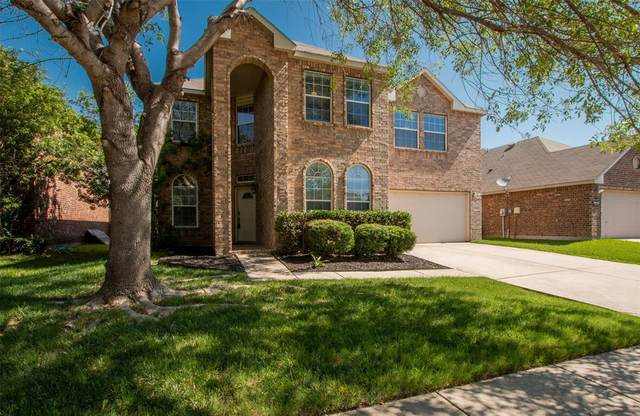 1921 Creek Crossing Drive, Fort Worth, TX 76247 (MLS #14351082) :: Real Estate By Design