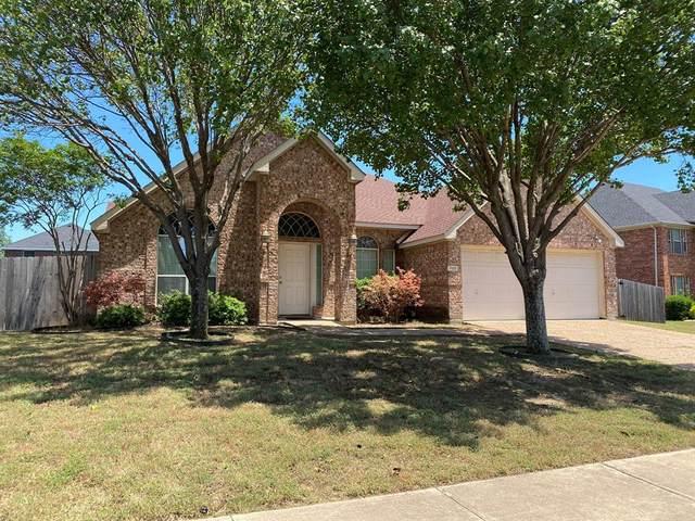 700 Spicewood Drive, Desoto, TX 75115 (MLS #14351129) :: The Mauelshagen Group