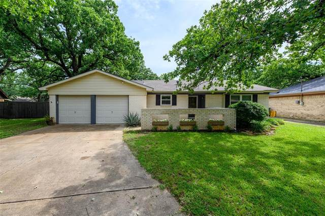 3213 Bob O Link Lane, Denton, TX 76209 (MLS #14351246) :: The Mauelshagen Group