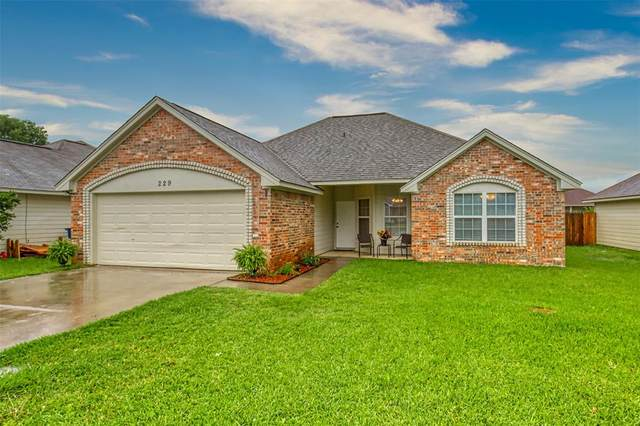 229 Glory Street, Aubrey, TX 76227 (MLS #14351263) :: Frankie Arthur Real Estate