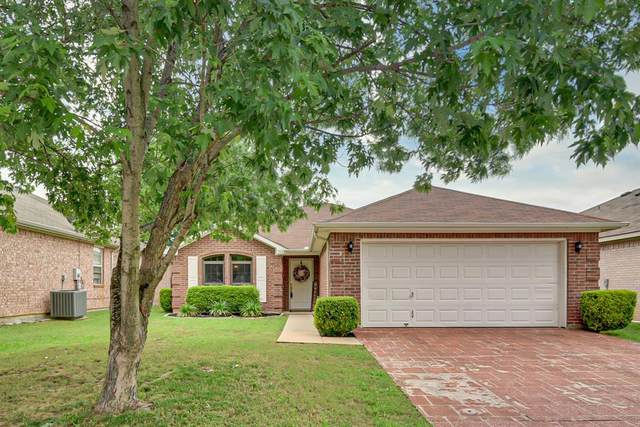 502 Blueberry Hill Lane, Mansfield, TX 76063 (MLS #14351313) :: NewHomePrograms.com LLC